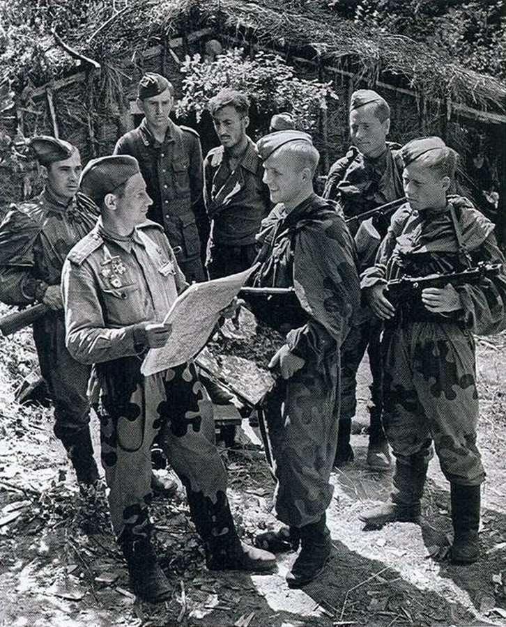 """СБОРНИКИ-МЕТОДИЧКИ """"Войсковая разведка""""-19 ВЫПУСКОВ  1943-1947 ГГ."""