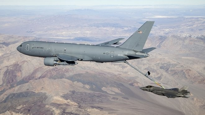 Soldiers to the US Air Force planes delivered with garbage inside