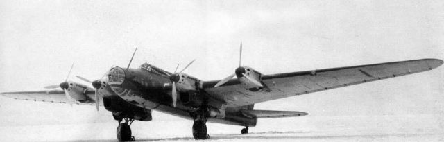 combat aircraft: Pe-8, do not become «flying fortress»