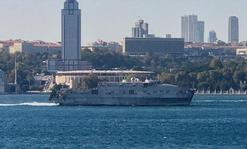 Two NATO ships left the Black Sea