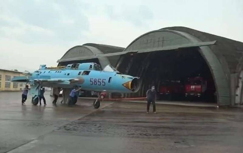 A storm is coming: Vietnam hides Soviet planes for cover