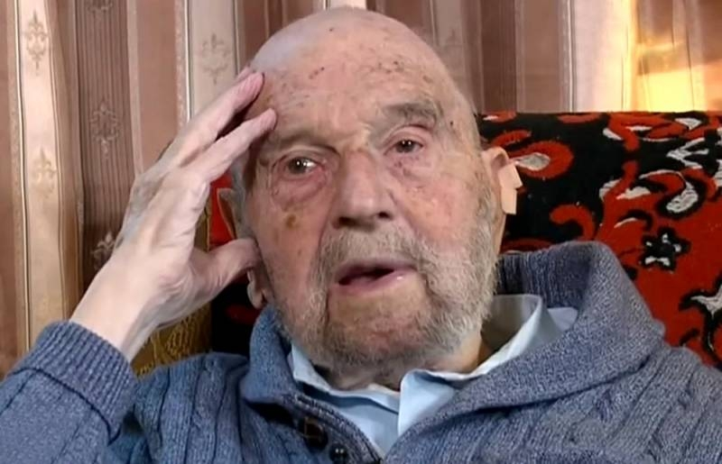 The legendary Soviet intelligence officer George Blake dies