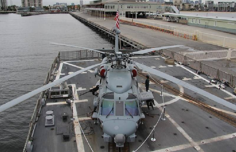 Service life expires: US Navy is looking for replacements for its carrier-based helicopters and UAVs