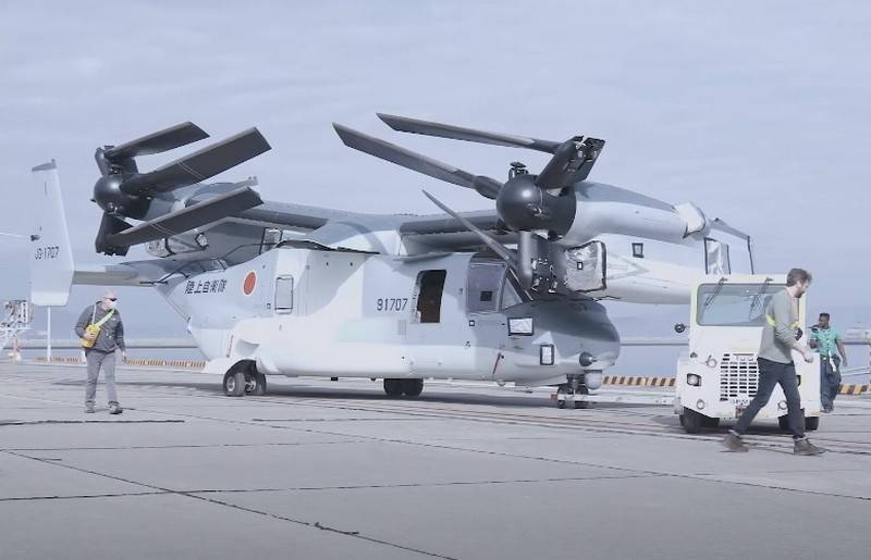 Japan received the second batch of American V-22B Block C tiltrotors
