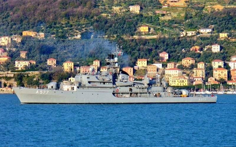 Ships from the permanent NATO mine action group SNMCMG2 entered the Black Sea