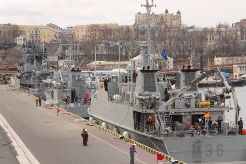 «We are glad to welcome the sailors of NATO countries»: the Ukrainian command met the ships of the Turkish Navy in Odessa, Romania and Spain