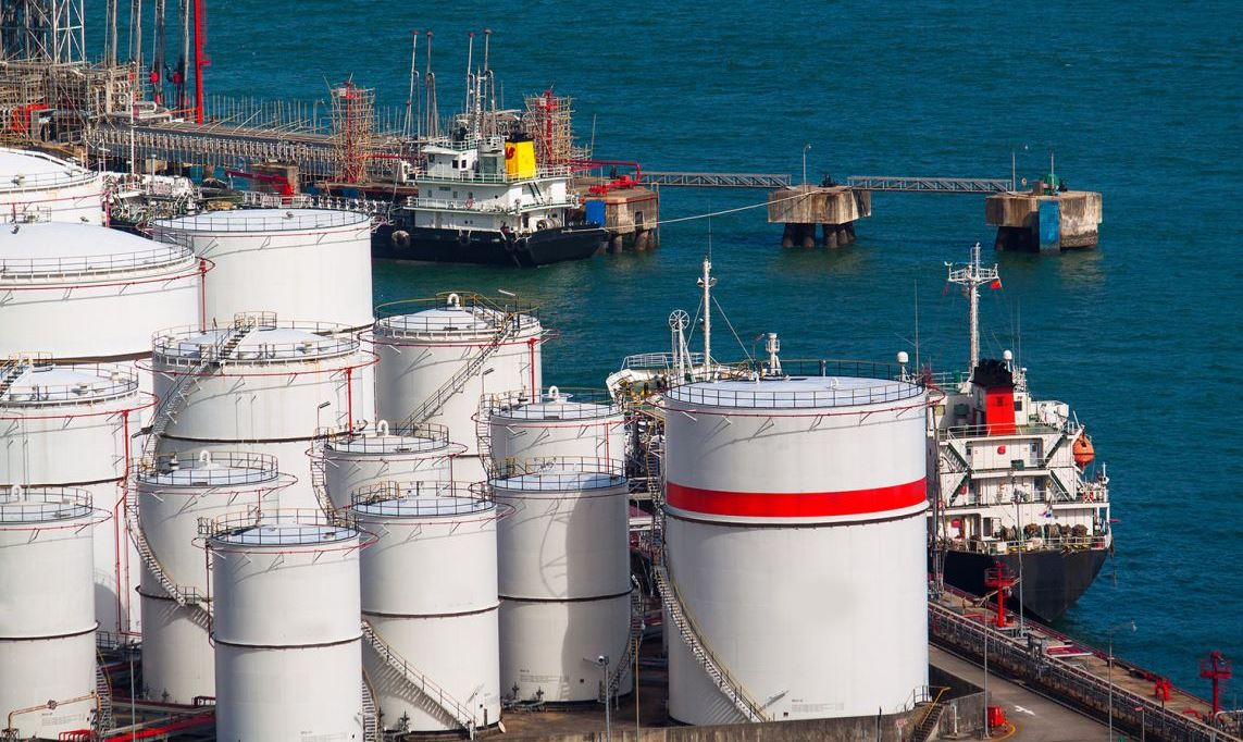 The world's oil storage facilities are emptying